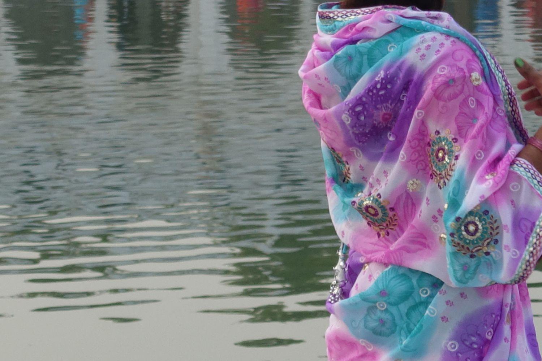 New Delhi | Indian woman waring a sari | Sikh temple | ©sandrine cohen