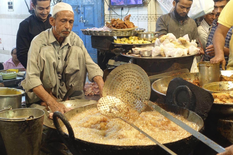 Old Delhi | Restaurant in Old Delhi | Indian street food | Chandni chowk |streetphotographhy ©sandrine cohen