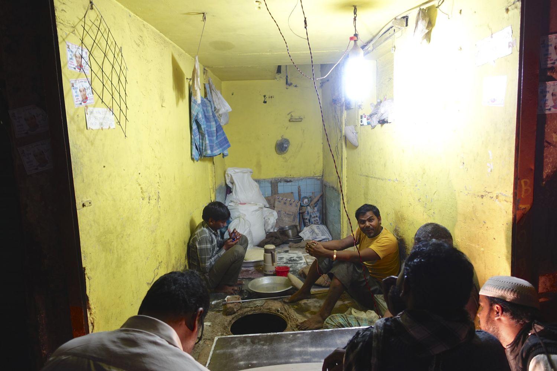 Old Delhi | Restaurant in Old Delhi | street food | streetphotography ©sandrine cohen
