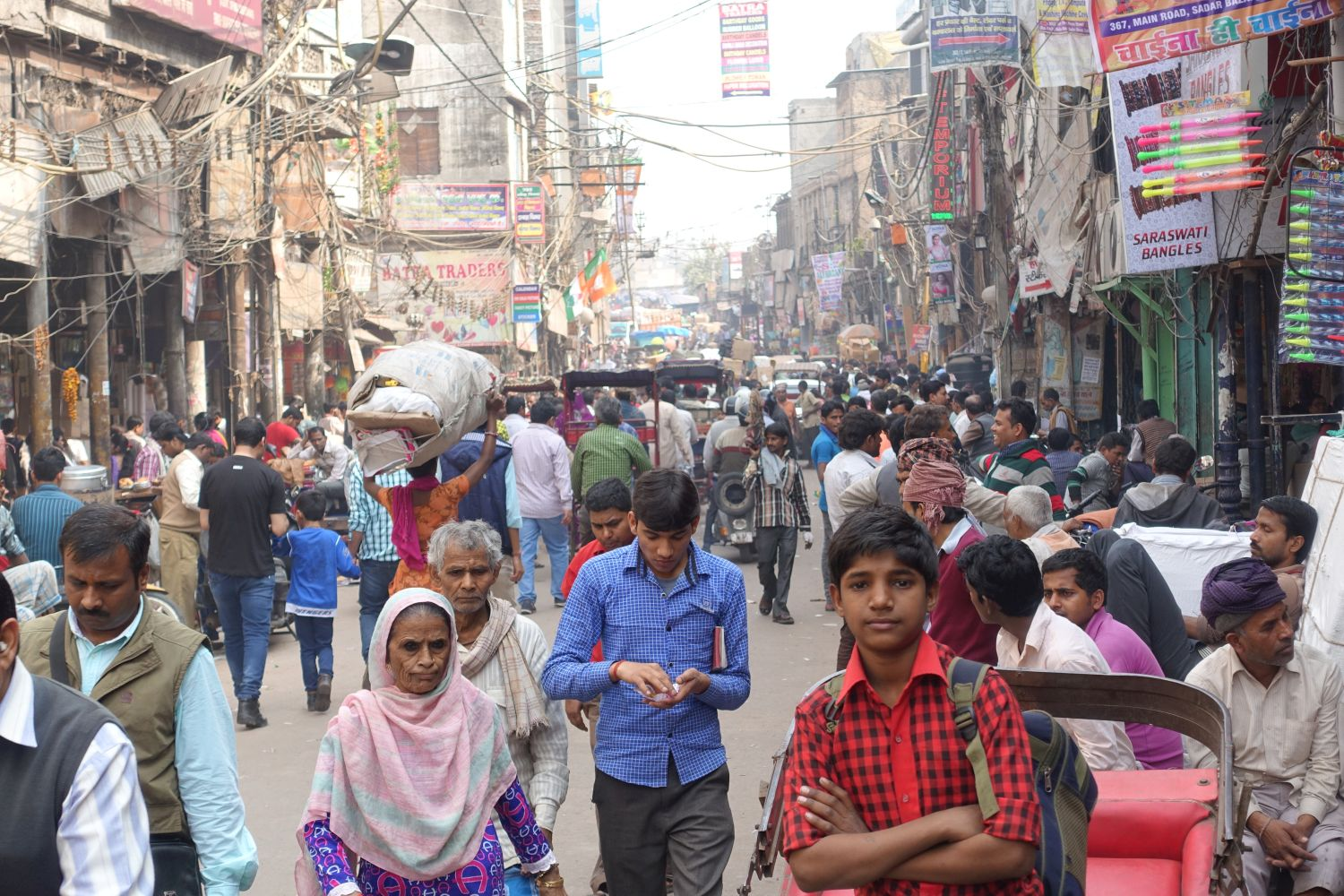 Old Delhi | a crowded street in Chandni Chowk | street photography ©sandrine cohen