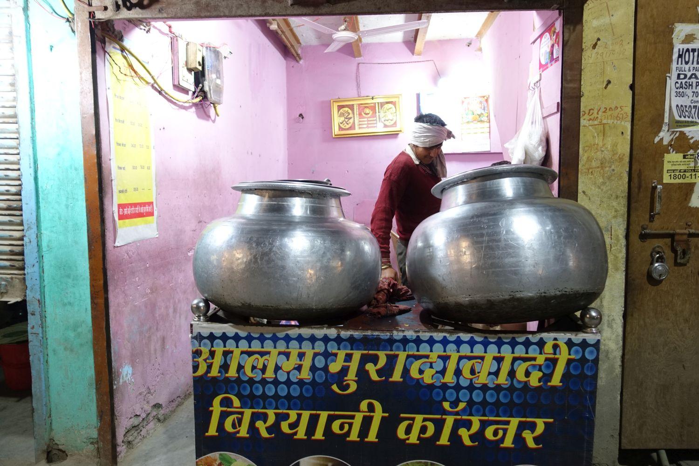 Delhi | Indian street food | street photography ©sandrine cohen