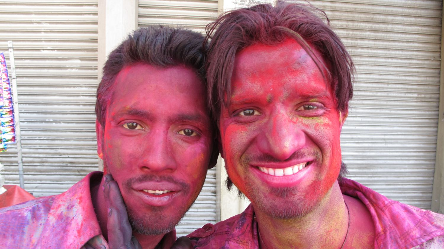 Jaipur | The Holi 12 | Feast of colors | Indian men celebrating the Holi | ©sandrine cohen