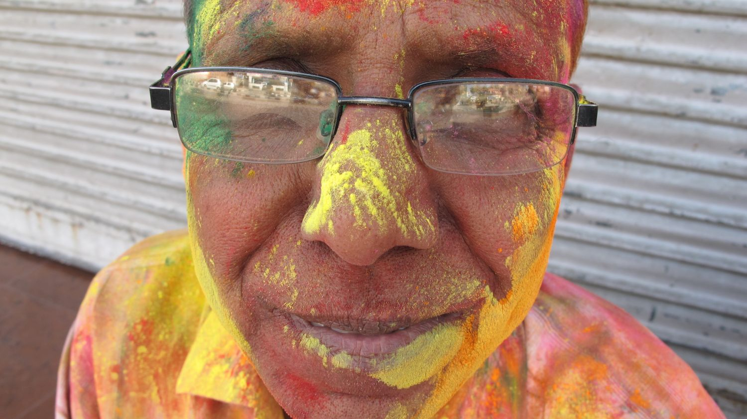 Jaipur | The Holi 13 | Feast of colors | Indian man celebrating the Holi | ©sandrine cohen