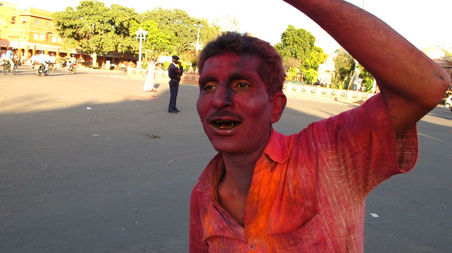Jaipur | The Holi 23 | Feast of colors | Indian man celebrating the Holi | ©sandrine cohen