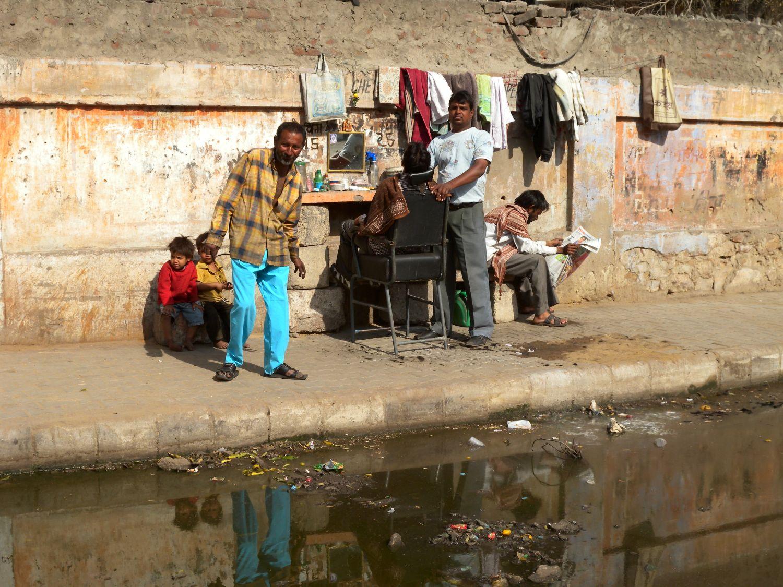 Jaipur | Pink city | Rajasthan | Barber in the street | ©sandrine cohen