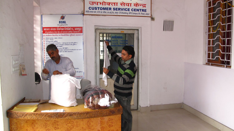 Jaipur | Jaipur Post office | Two men making package |Rajasthan | ©sandrine cohen