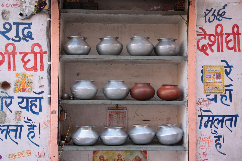 Jaipur | Pink city | Rajasthan | steel pots shop | ©sandrine cohen