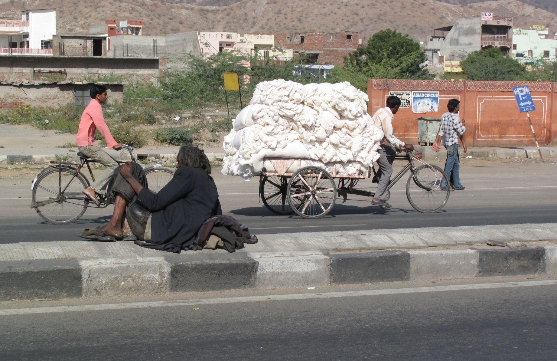 Jaipur | Pink city | Rajasthan | homeless on Amber road | Photo sandrine cohen