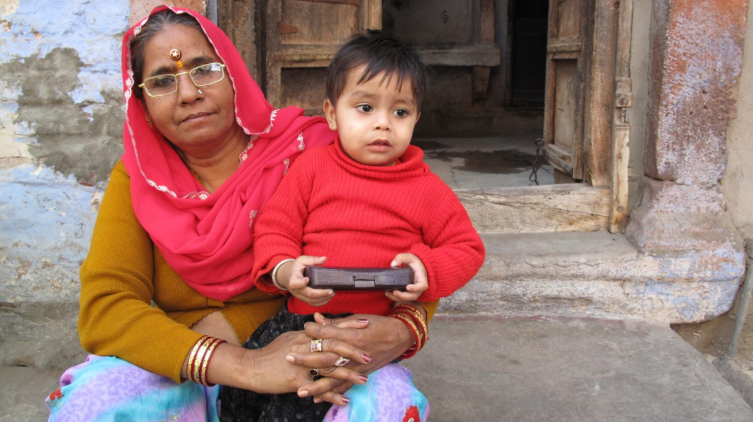 Jodphur 42 | Blue city | Rajasthan | Indian woman with child |©sandrine cohen