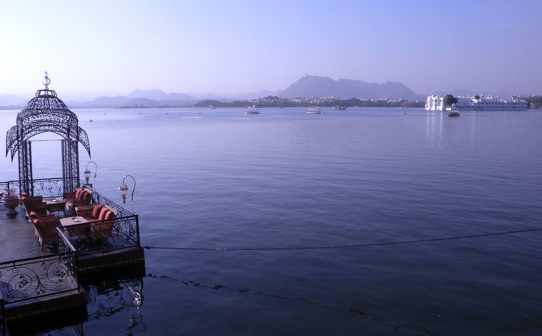 Udaipur 5 | Udaipur Lake | Lake Palace Udaipur | Pier for the lake palace | ©sandrine cohen