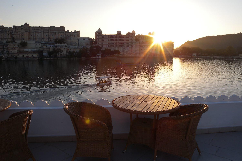 Udaipur 38 | Rajasthan | Lake Palace Hotel | Taj group | sunset on Lake Palace |©sandrine cohen