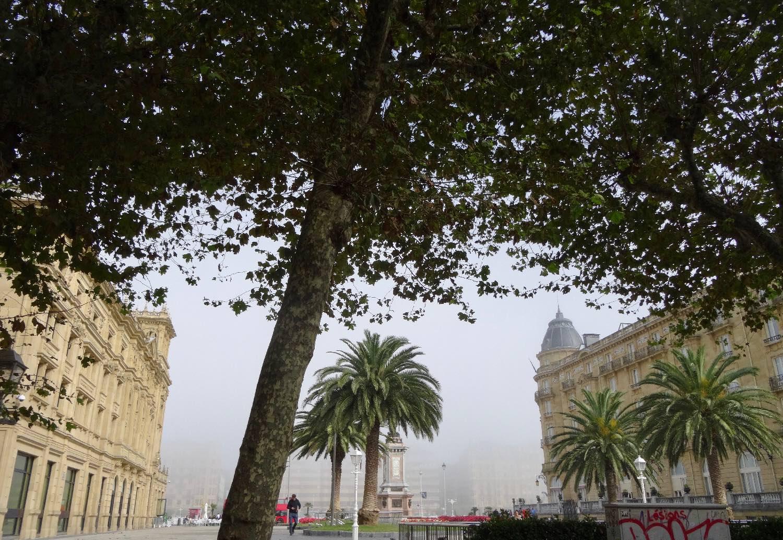 San Sebastian | San Sebastien | Donostia | Victoria Eugenia monument | Maria Christina Palace  | photo sandrine cohen