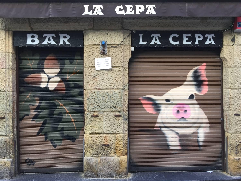 San Sebastien | San Sebastian | Donostia | Street art Bar La Cepa | La Cepa bar restaurant | photo sandrine cohen