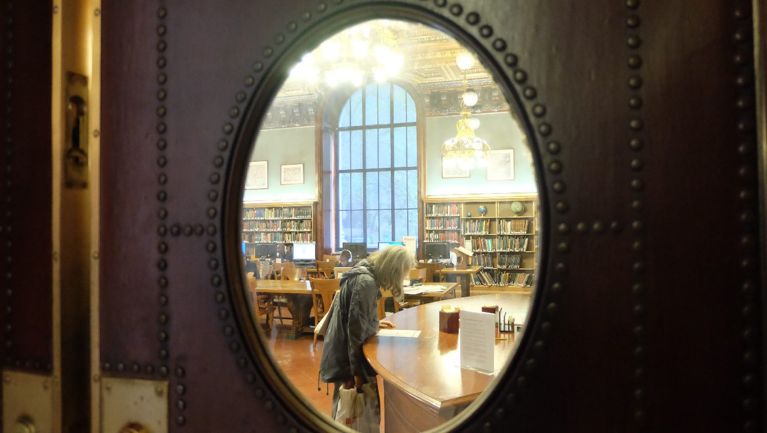 The New York Public Library | Door porthole | 19 th century architecture | photo sandrine cohen
