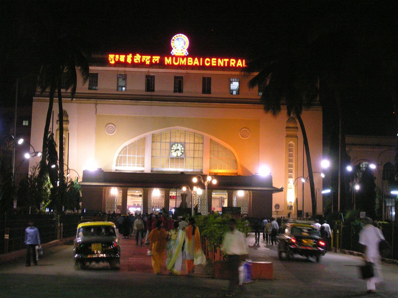 Mumbai - Bombay | Central station in Mumbai | Railways station | ©sandrine cohen