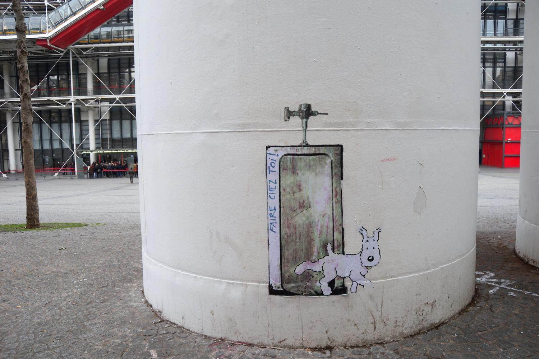 Milou   Chien de Tintin   Street art   Centre Pompidou Paris   photo sandrine cohen