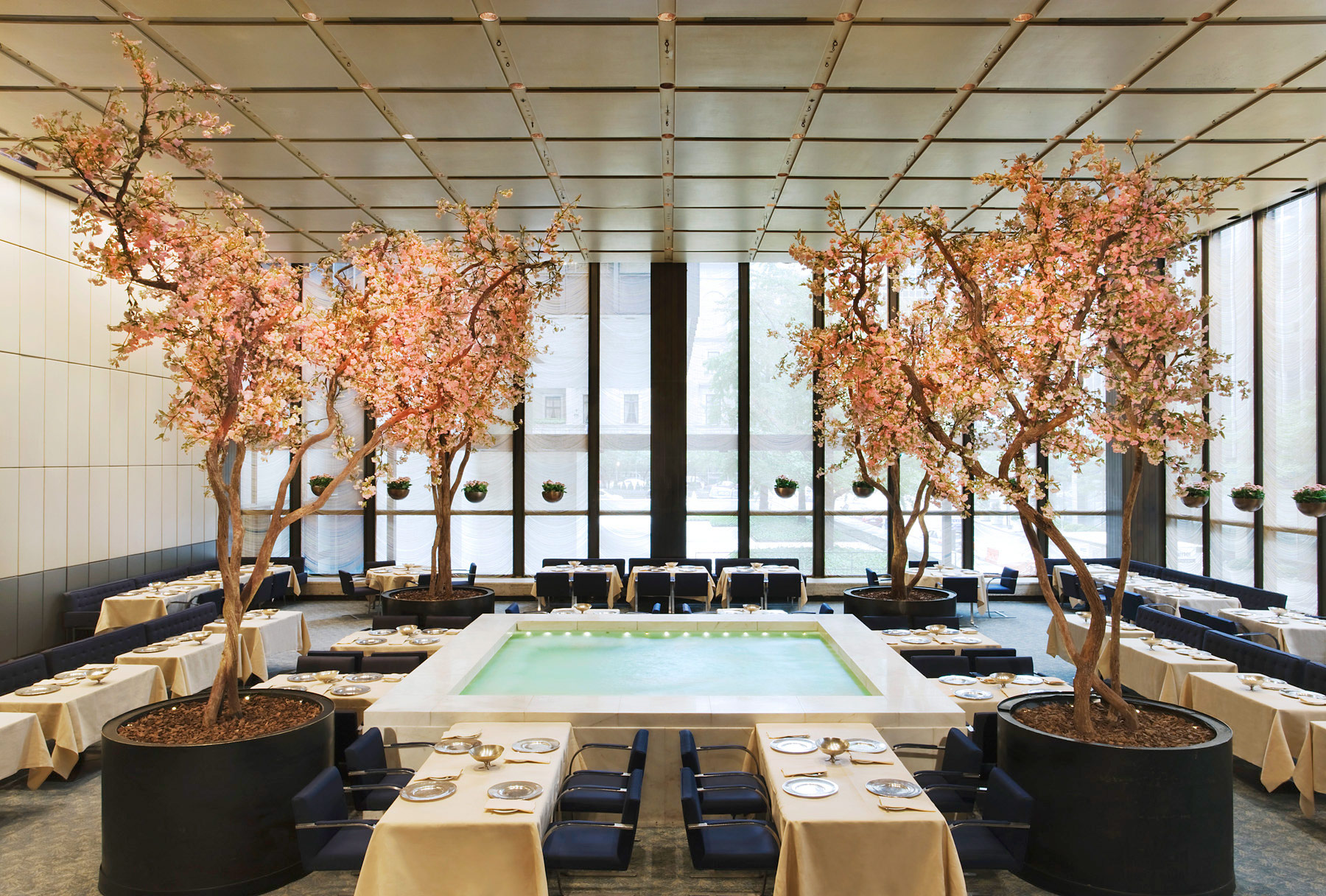 Wright_Four_Seasons_Restaurant_9-cr-Jennifer-Calais-Smith.jpg