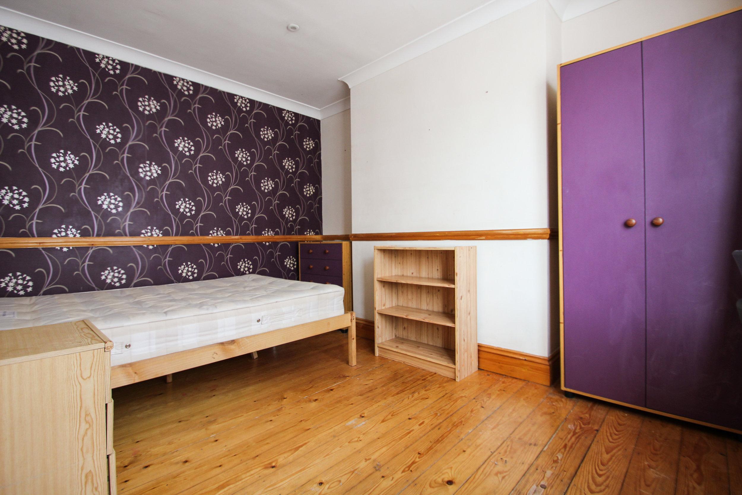 IMG_7711_edited.jpg bedroom 2.jpg