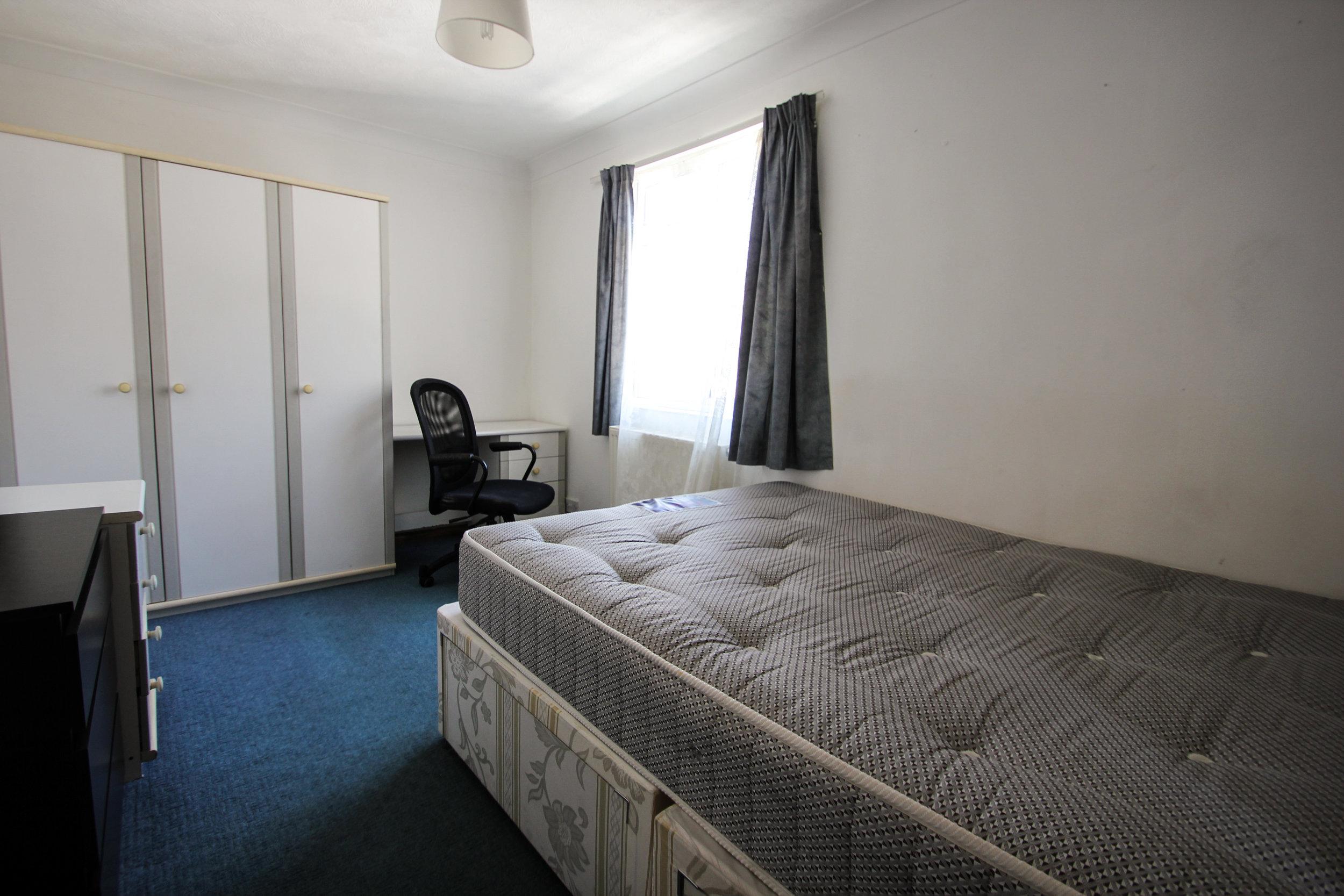 IMG_7724_edited.jpg bedroom 4.jpg