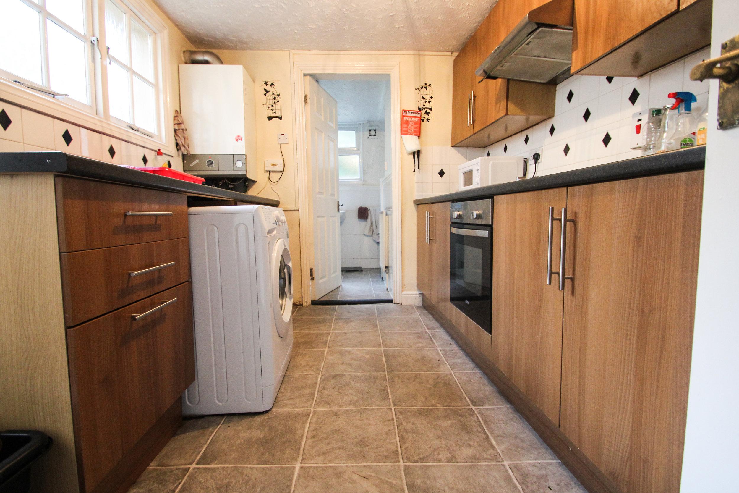 IMG_0652_edited.jpg kitchen .jpg