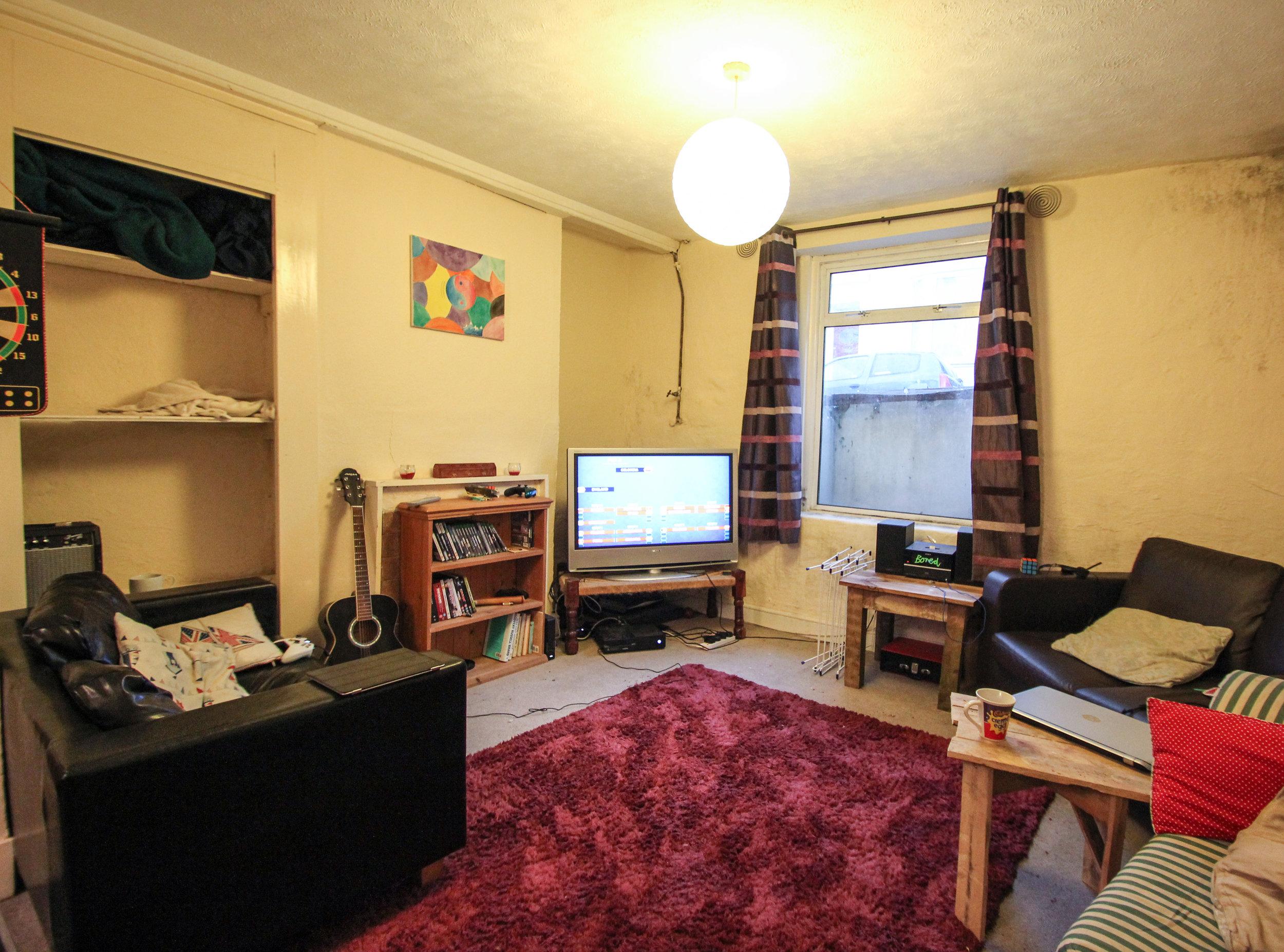 IMG_9072_edited.jpg LIVING ROOM .jpg