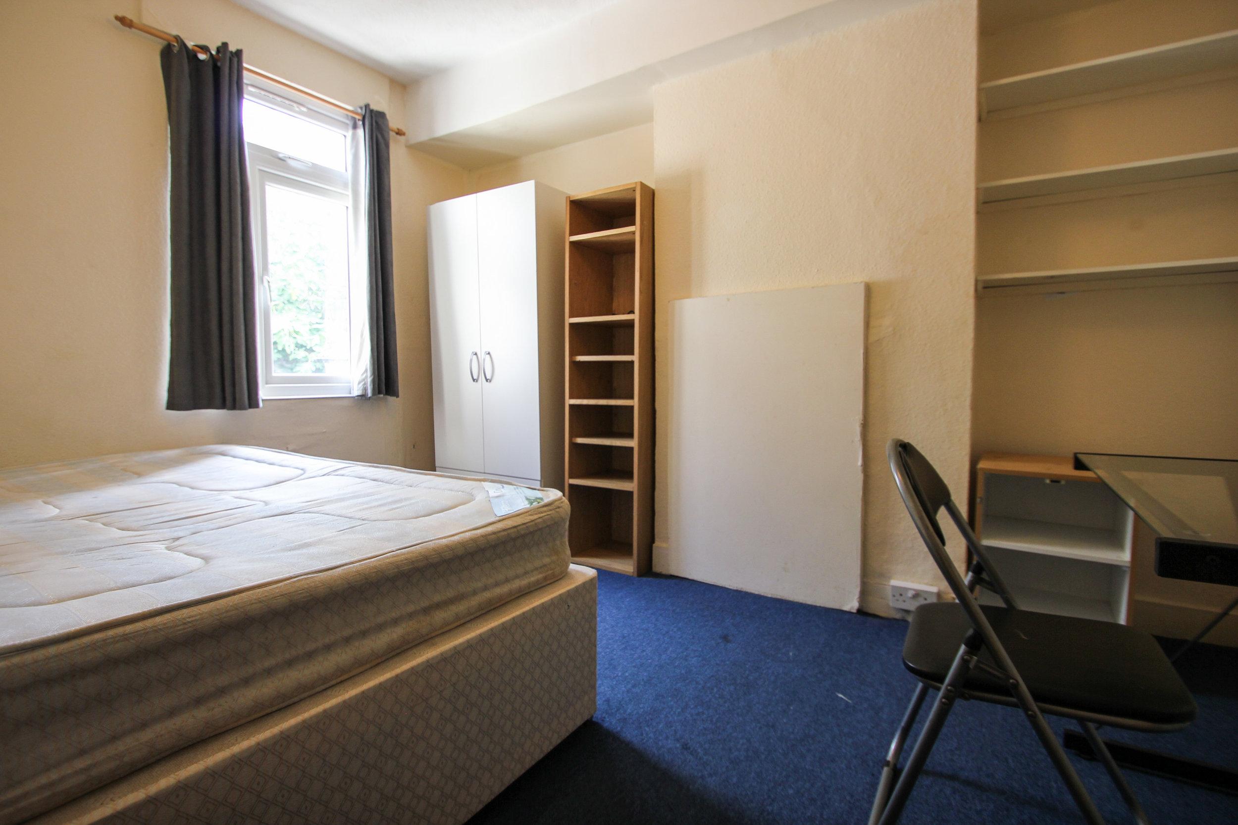 IMG_8101_edited.jpg  bedroom 4.jpg