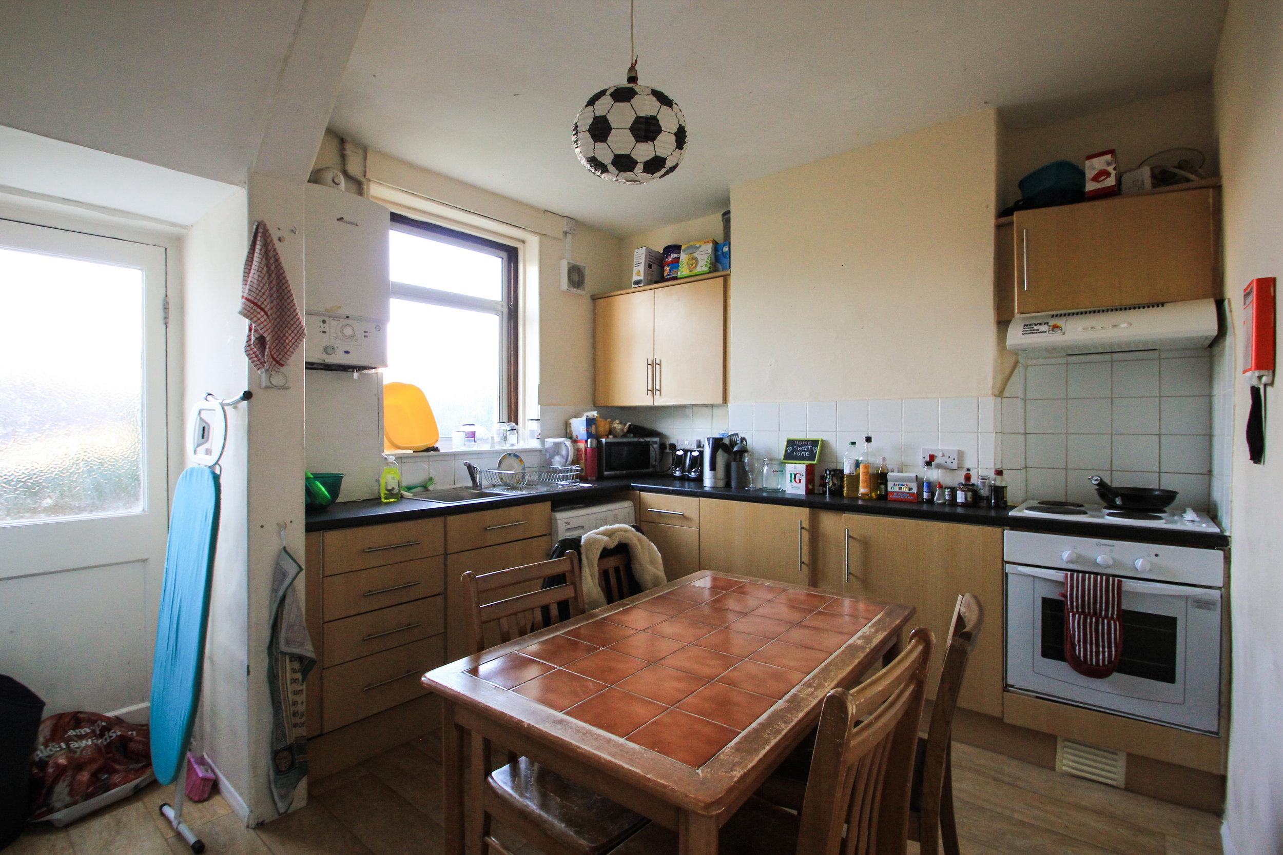 IMG_8975_edited.jpg kitchen .jpg