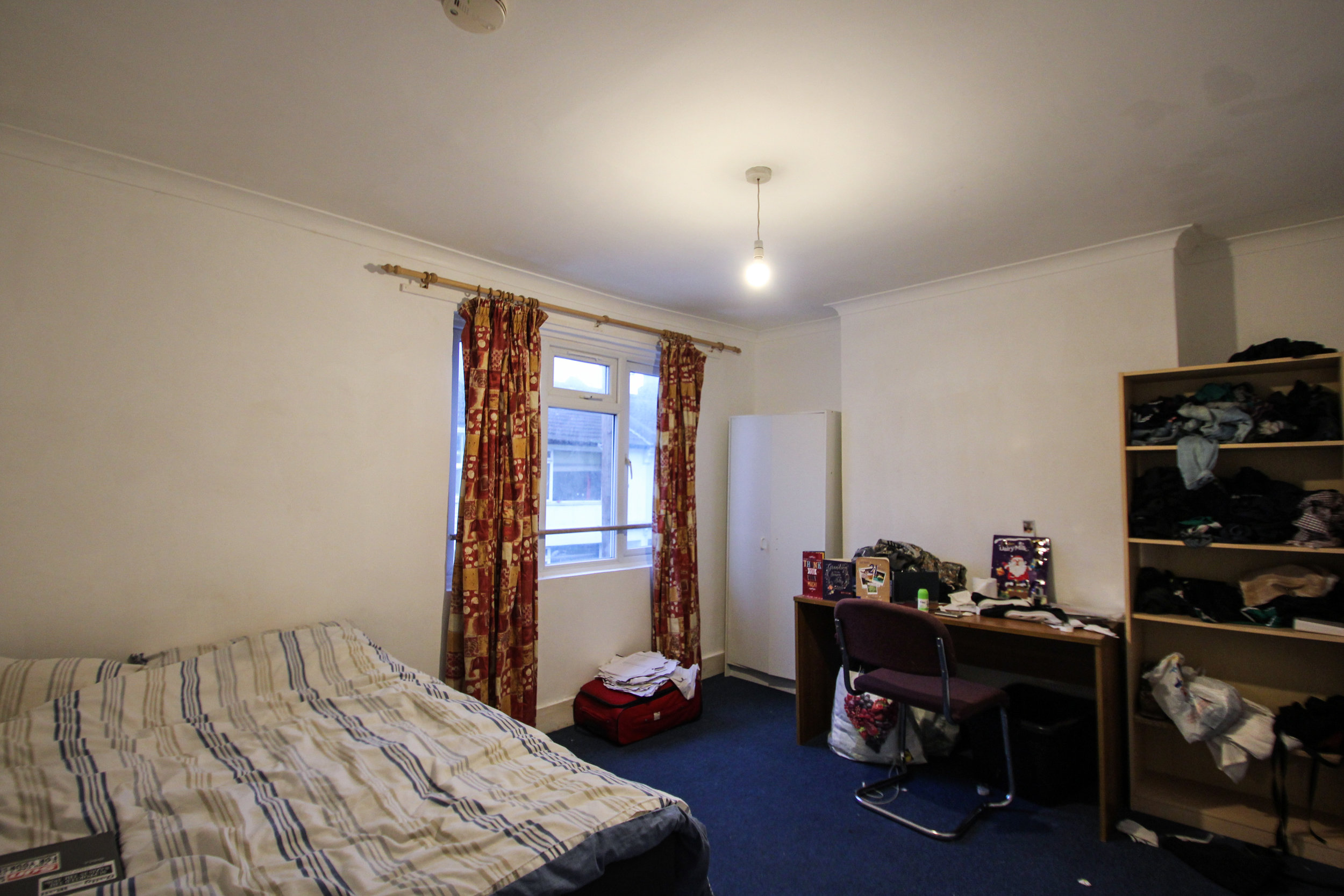 IMG_9689_edited.jpg bedroom 4.jpg