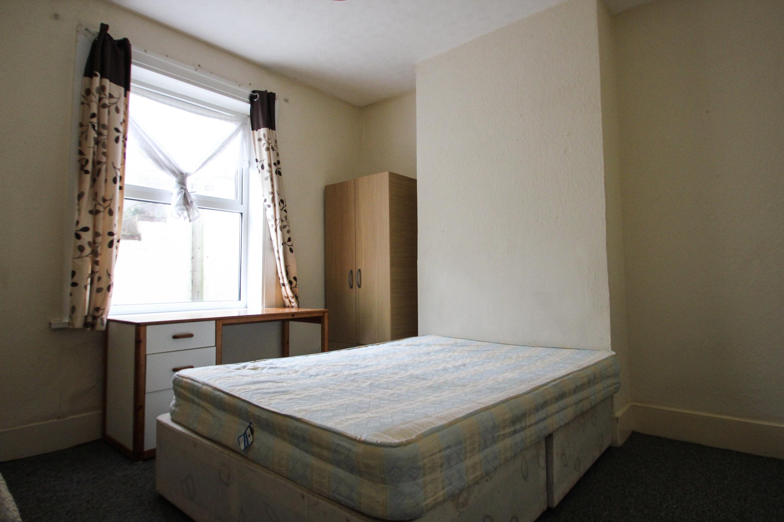 IMG_7317_edited.jpg bedroom 3.jpg