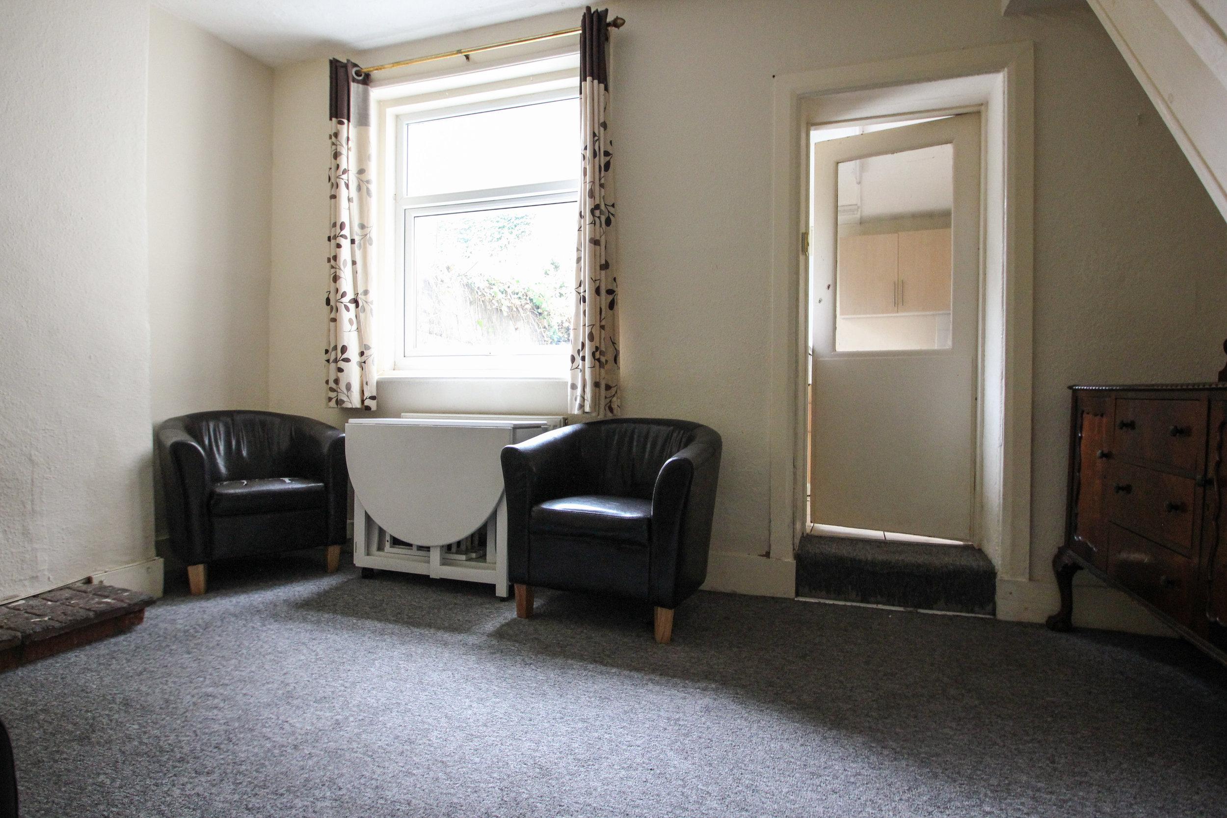 IMG_7321_edited.jpg living room 1.jpg