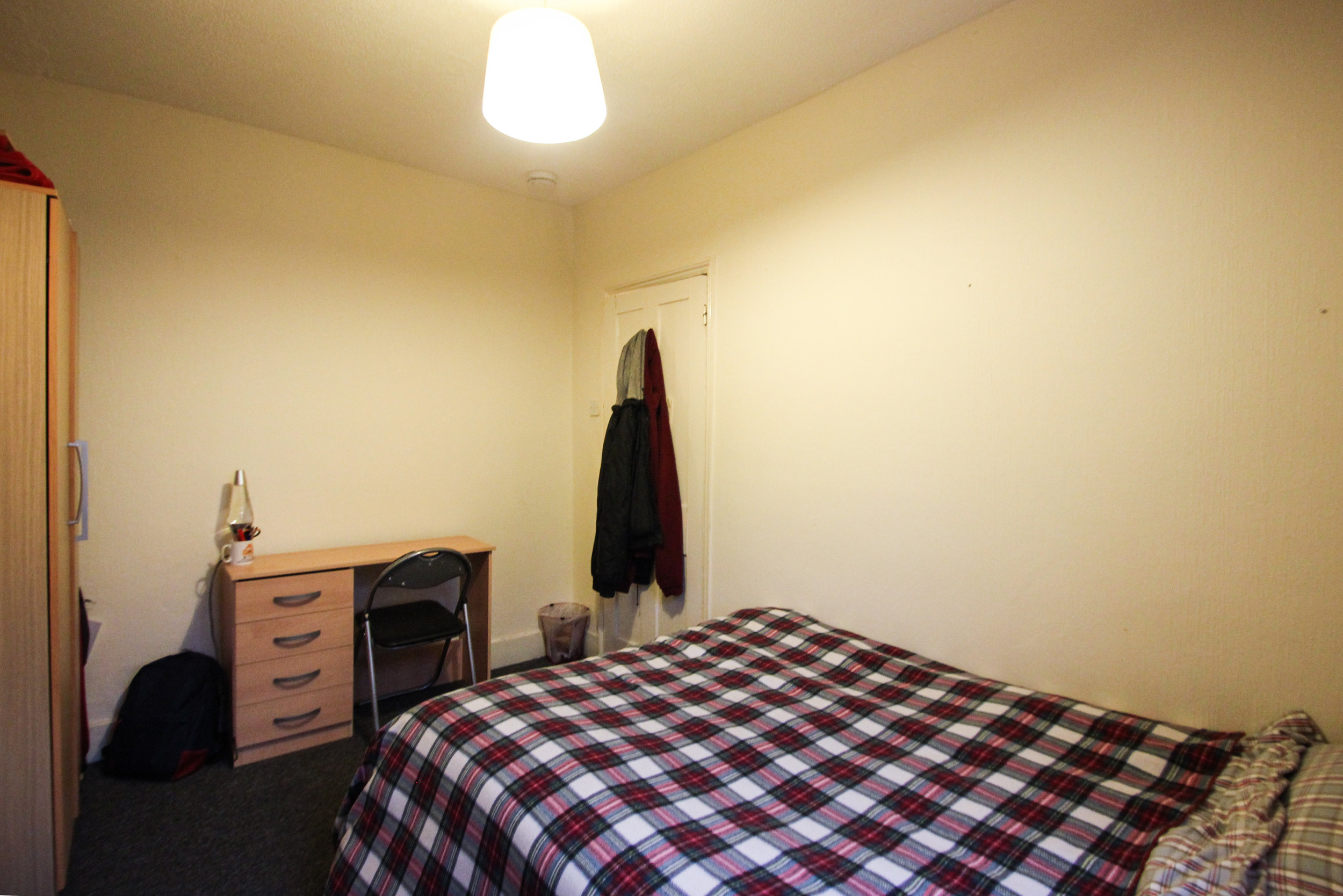 IMG_9703_edited.jpg bedroom 2.jpg