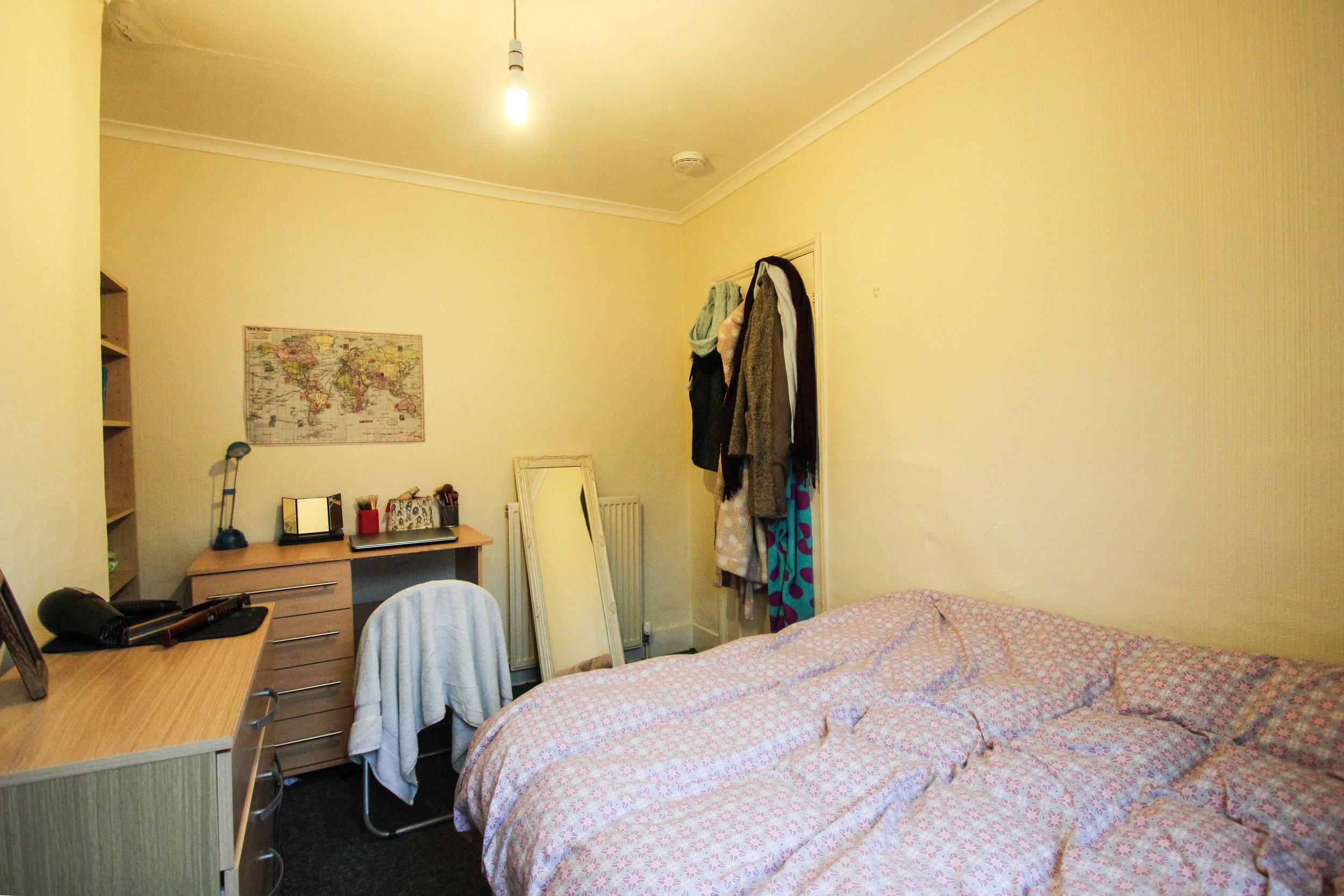 IMG_9716_edited.jpg bedroom 3.jpg