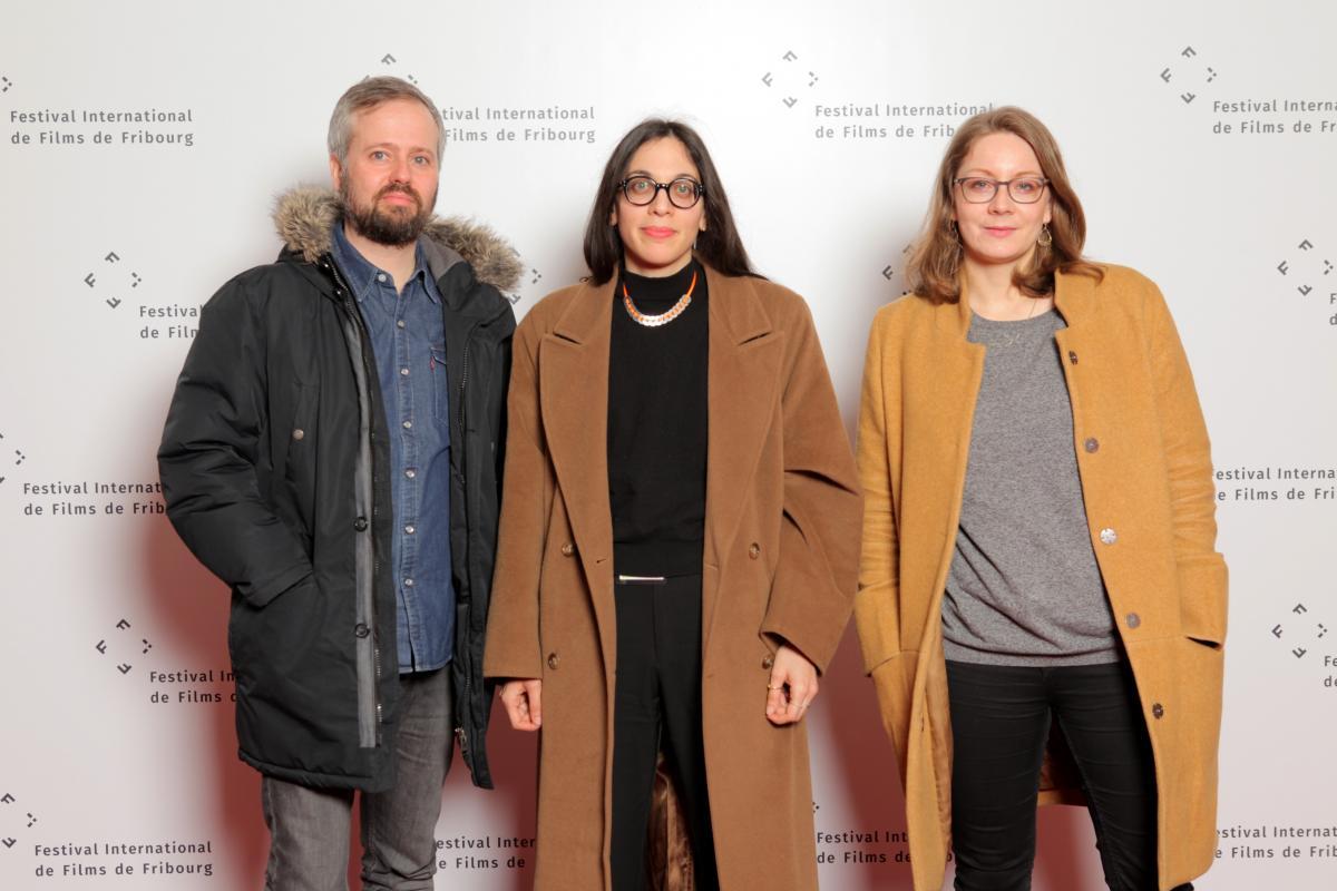 Festival International de Films de Fribourg im März 2019.  Zu sehen: Jela (rechts) zusammen mit ihren Jurykolleg*innen Philippe Pellaud und Alice Riva  © Foto: Julien Chavaillaz