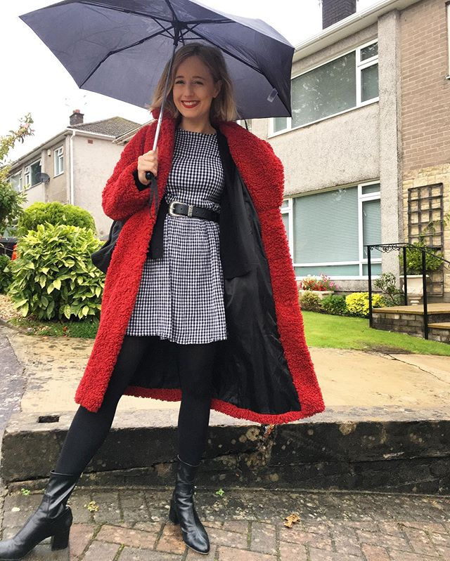 Asked my four year old to take a pic of my outfit ... In other news the winter coat is out in full swing, I need coffee by the jug today & although I am feeling overwhelmed by my marketing course I am also excited to get my head in the books again. #ootd #redcoat #mumblog #cardiffblogs #welshbloggers #mystyle #mumstyle #millennialmother #fashion #mumdresscode