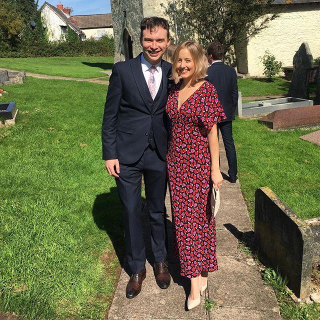 Isn't it a lovely day ... 💒☀️ We had the bestest day celebrating the wedding of Mr and Mrs Gravy (@thomasthegravy & @cassiemtaylor)😍🥰 #mrandmrsgravy #weddingguests