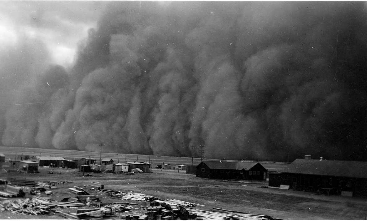 Dust storm at Pearce, Alberta, November 1942  Courtesy the Galt Museum & Archives: 19961000002