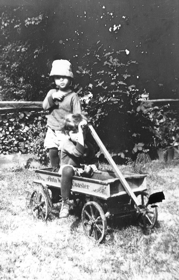 Two unidentified children playing with a wagon, 1930s. Galt Archives 19752902006