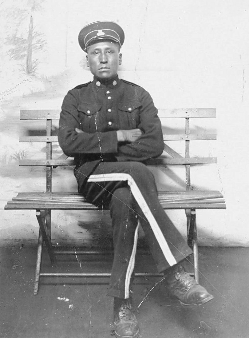 First World War picture of Albert Mountain Horse sitting on a bench. Photo from Glenn Miller.