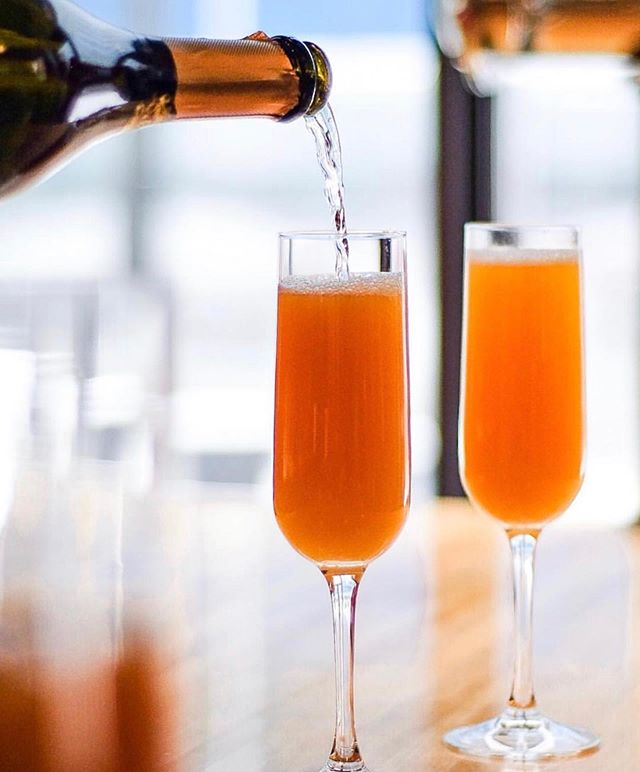 This one's for the moms! 🌸 Join us this Mother's Day for $20 tableside mimosas (includes bottle of prosecco and choice of orange juice or grapefruit juice) all day! 😍 It's the perfect way to spoil your mom and remind her how special she really is! #mom . 📸 via @gyk26eats