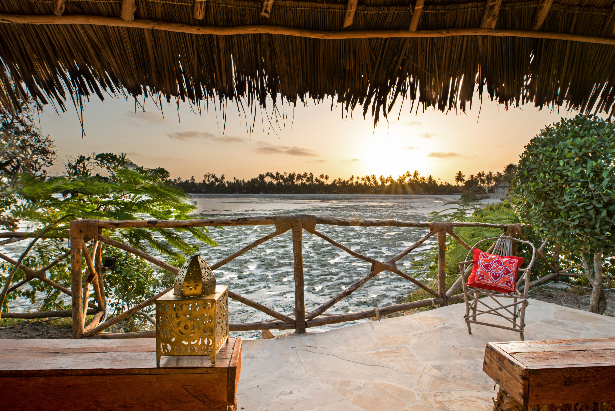 Sultan_villa_terrace.jpg