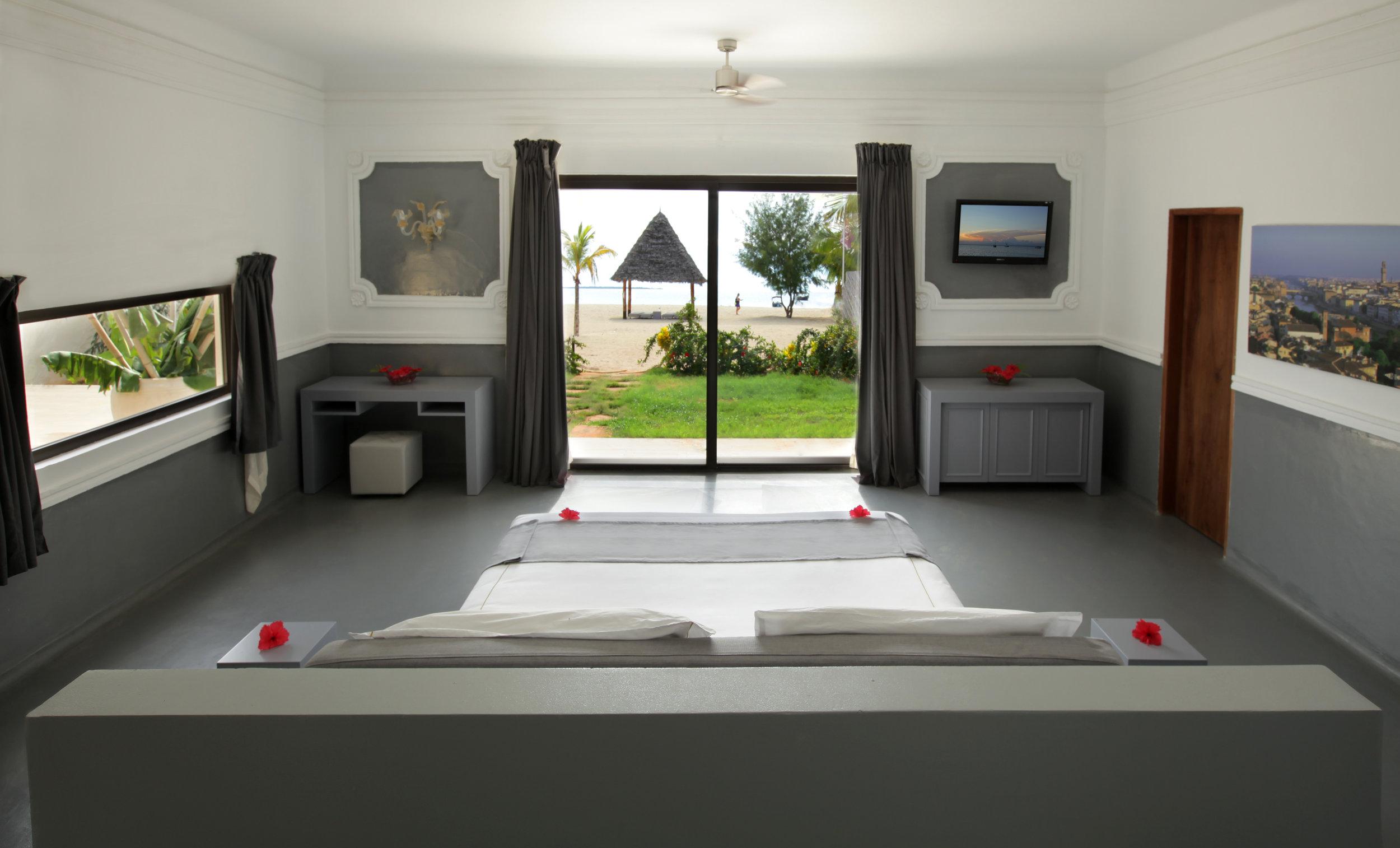 Luxury Villa - Italian.jpg