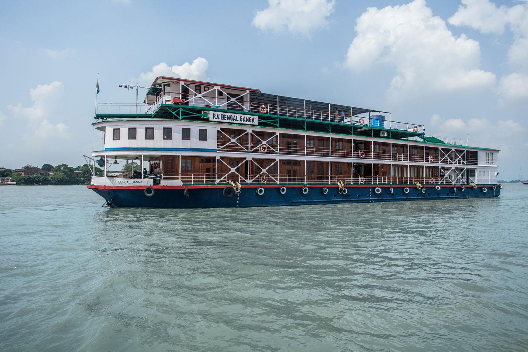 Ship-Exterior2.jpg