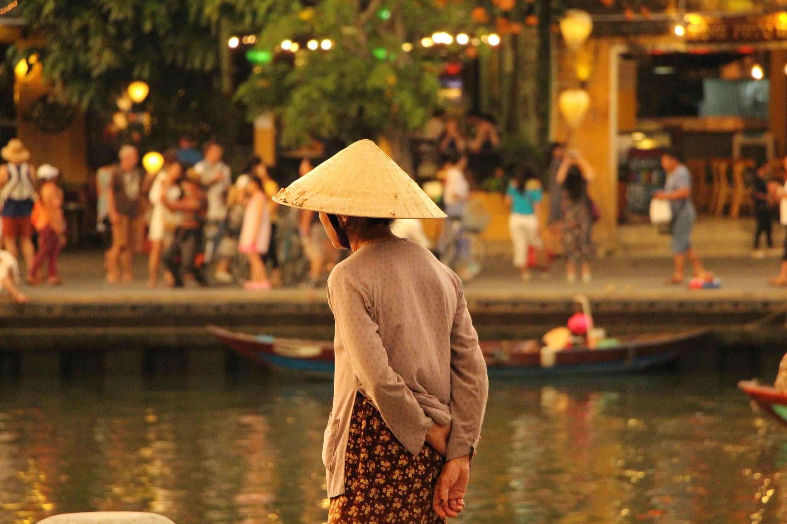 vietnam-hoi-an-katherine-mccormack-758035-unsplash.jpg