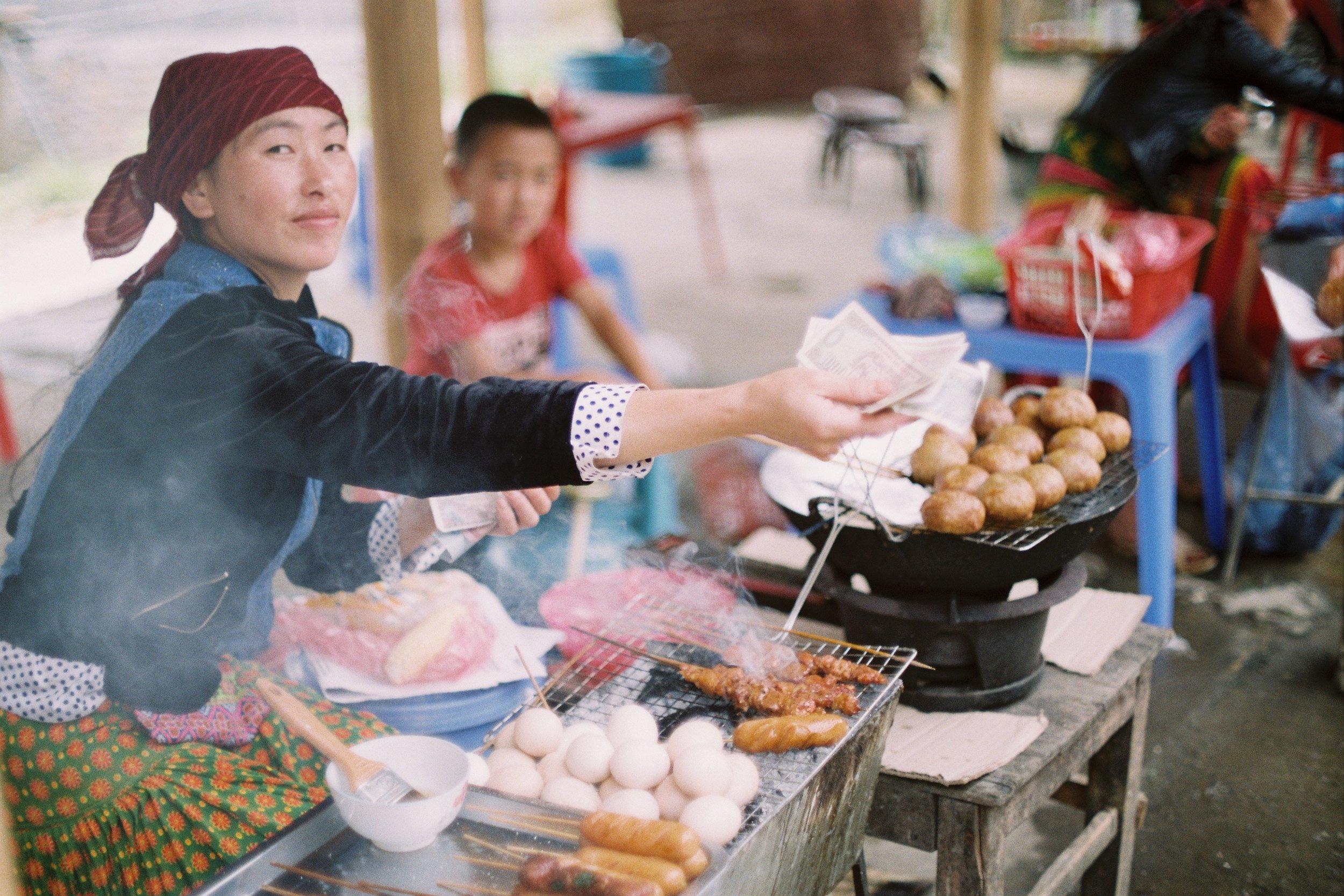 vietnam-food-street-frankie-shutterbug-1060470-unsplash.jpg