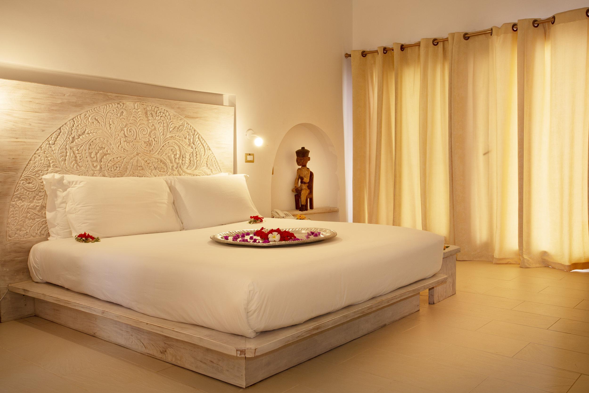 Jungle-villa-bedroom.jpg