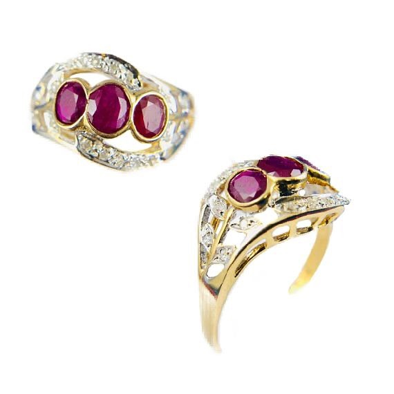 """Rubies & Diamonds 💎🌹 Unique Vintage Ladies Gold Ring with Rubies & Diamonds  Gold: 14kt Yellow Gold Weight: 2dwt / 3.2g Size: 7"""" Stones: 3 Oval Cut Rubies 0.56CTW total approx. Condition: Pre-owned. Great Conditions."""