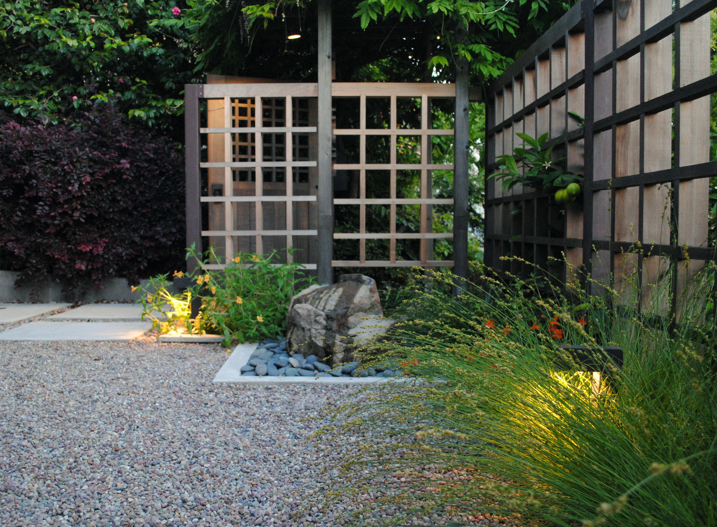 7 Stylish Front Yard Ideas for Homes on Busy Streets - Featured on Houzz