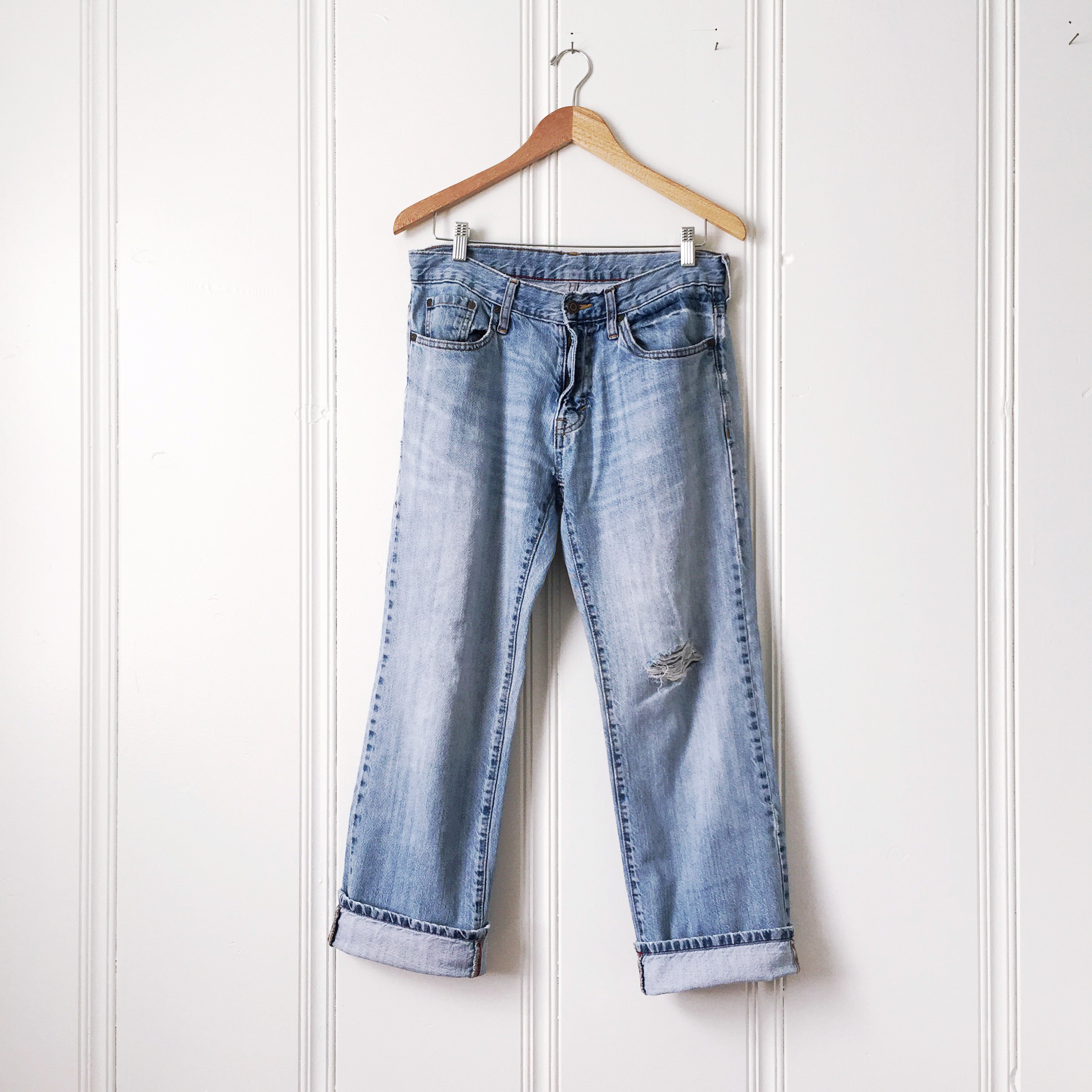 holey_jeans_old_navy.jpg