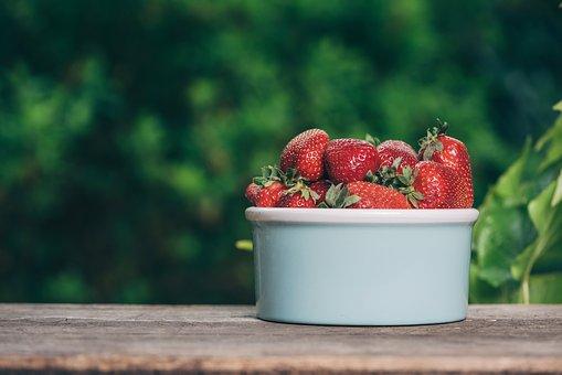 strawberry-4186310__340.jpg