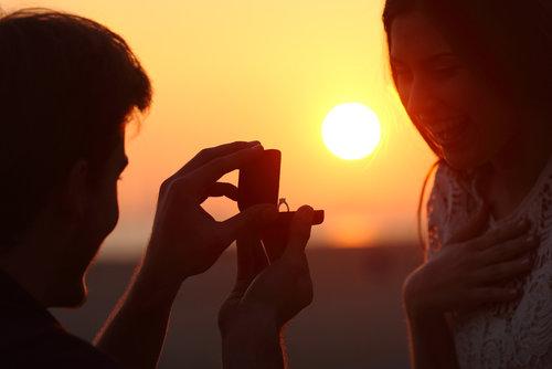 millennials lab-grown diamond engagement ring